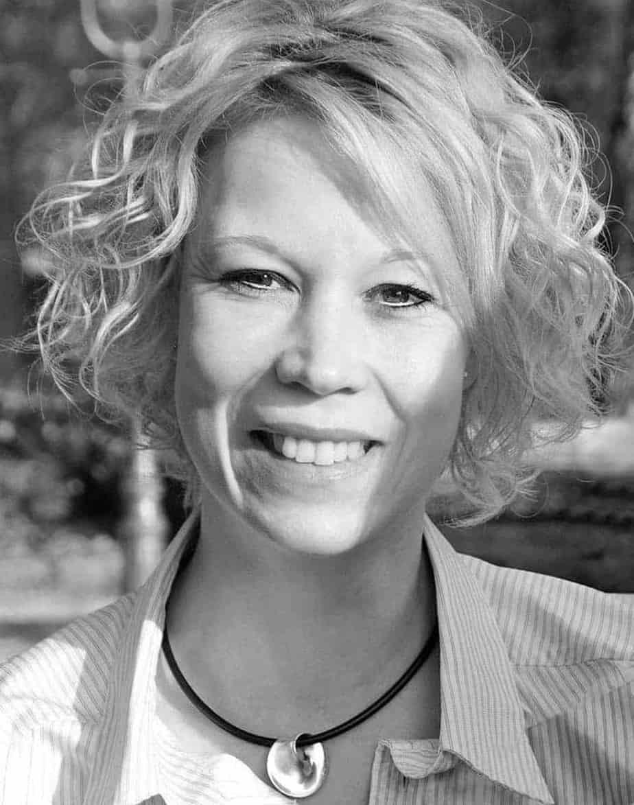 Dr. Kerstin Loetzerich-Bernhard